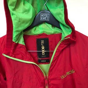 Retro Cool Billabong Red/Green Windbreaker Med